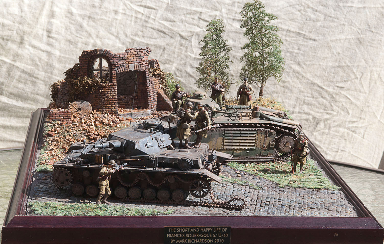 airplane models kits with Bourrasque French Tank on Northrop F 5 Tiger Latest Hobbymaster And Oxford Diecast Model Photos besides Watch in addition Bourrasque French Tank additionally Airfix dioramas likewise Uss Constitution Model From Revell 30 Foto.